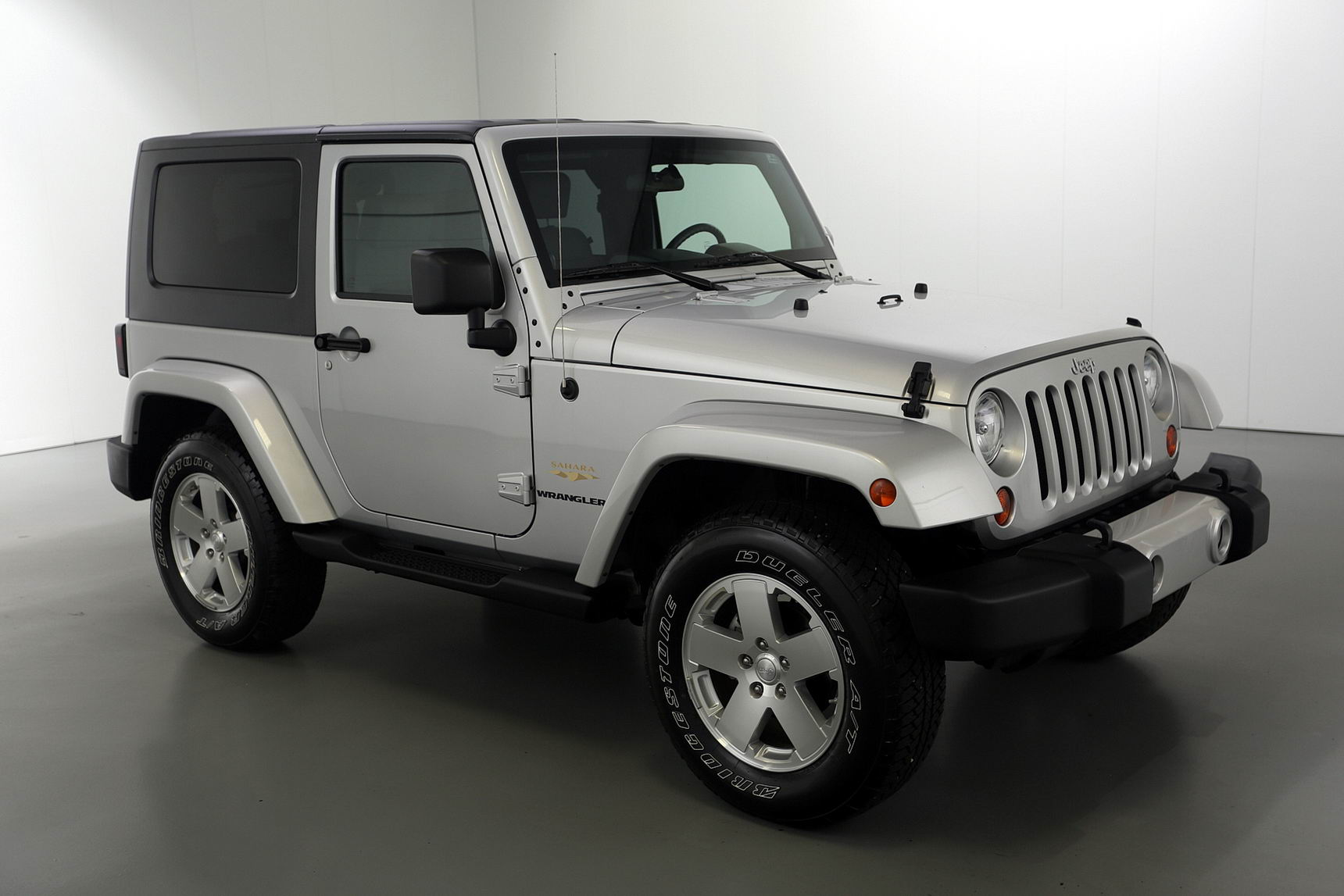 2008 jeep wrangler sahara edition brutal motors. Black Bedroom Furniture Sets. Home Design Ideas