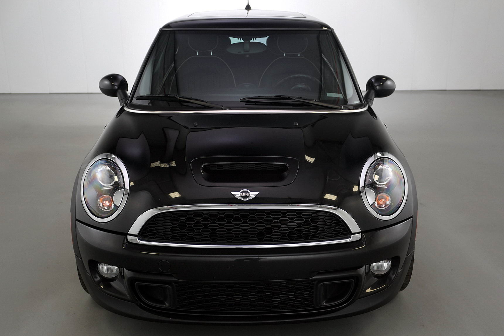 2011 mini cooper s brutal motors. Black Bedroom Furniture Sets. Home Design Ideas