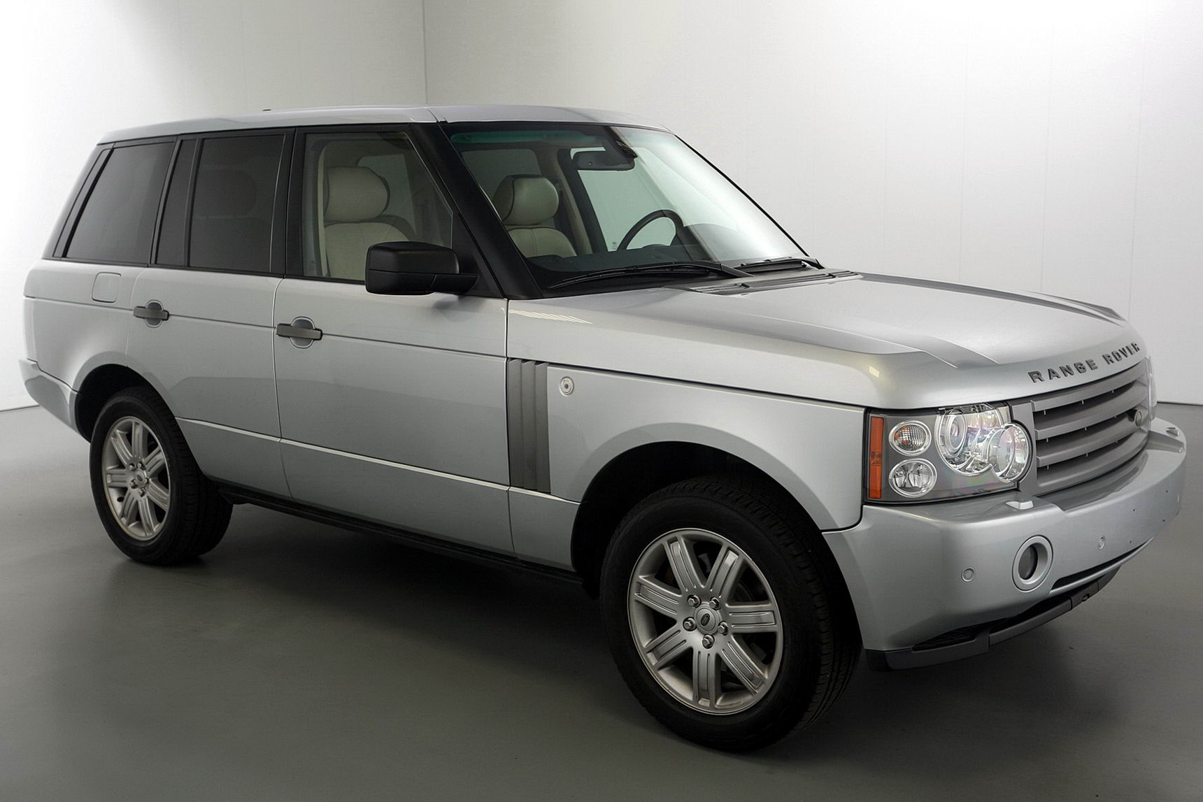2008 land rover range rover hse brutal motors. Black Bedroom Furniture Sets. Home Design Ideas